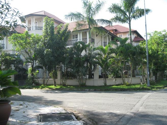 Bán biệt thự Thảo Điền Quận 2